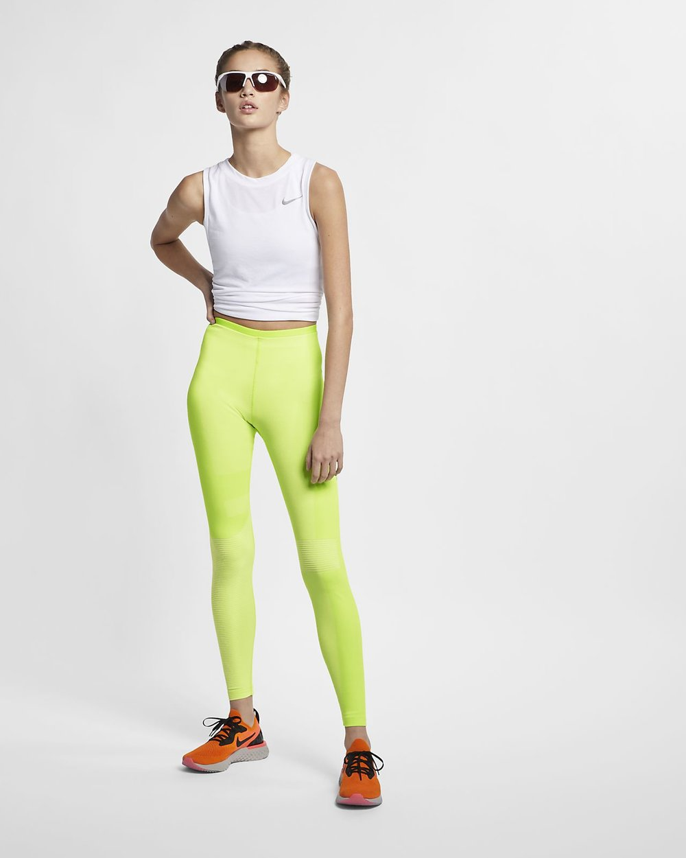 ELLE Women in socitey trang phục thể thao nike 10