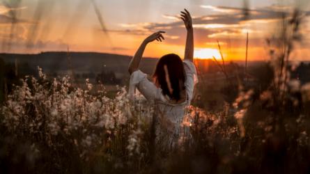 7 cách chống lại cơn trầm cảm mỗi khi đêm xuống