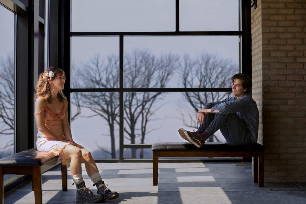 Cole Sprouse trong phim Năm Bước Để Yêu 11