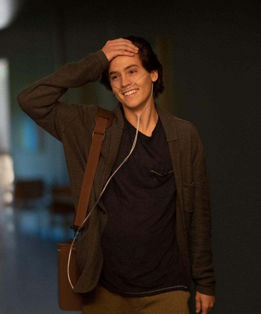 Cole Sprouse trong phim Năm Bước Để Yêu 12