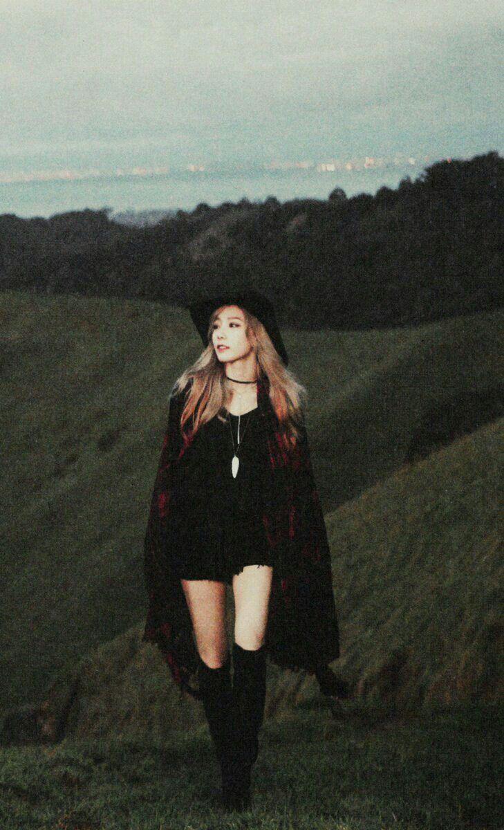 phong cách thời trang qua các MV của Taeyeon 50