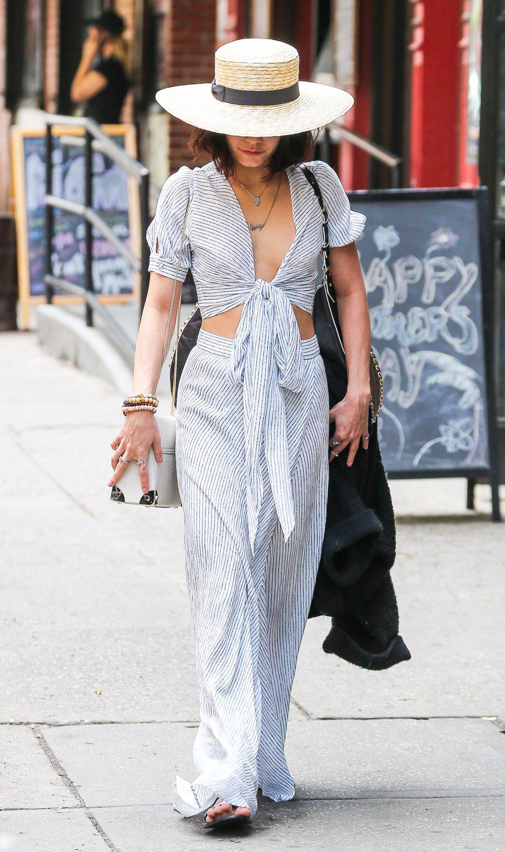 """phong cách thời trang """"nữ hoàng Coachella"""" Vanessa Hudgens 16"""