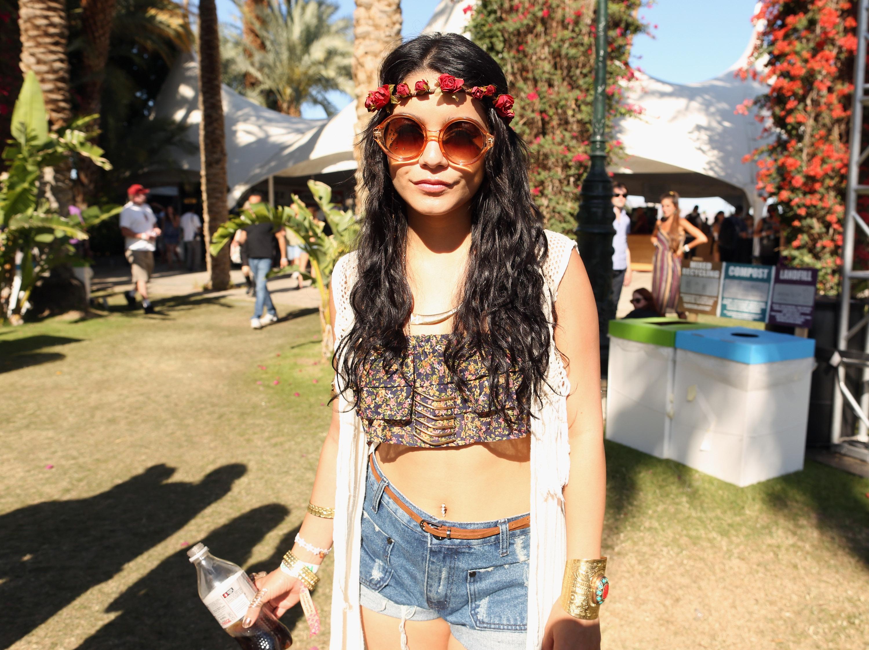 """phong cách thời trang """"nữ hoàng Coachella"""" Vanessa Hudgens 3"""