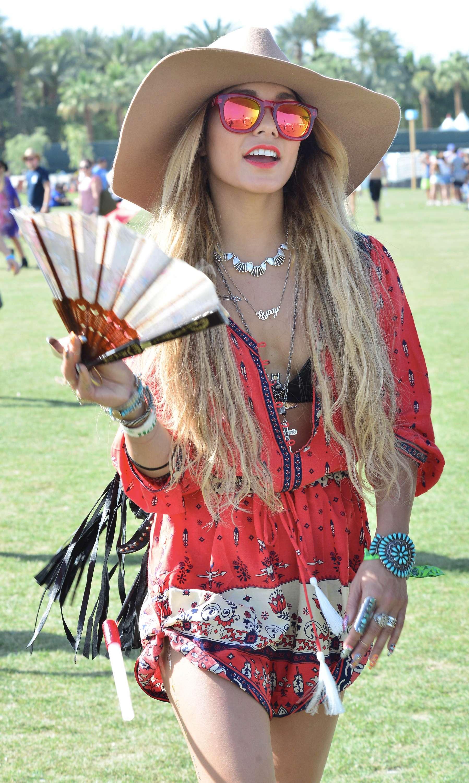 """phong cách thời trang """"nữ hoàng Coachella"""" Vanessa Hudgens 5"""