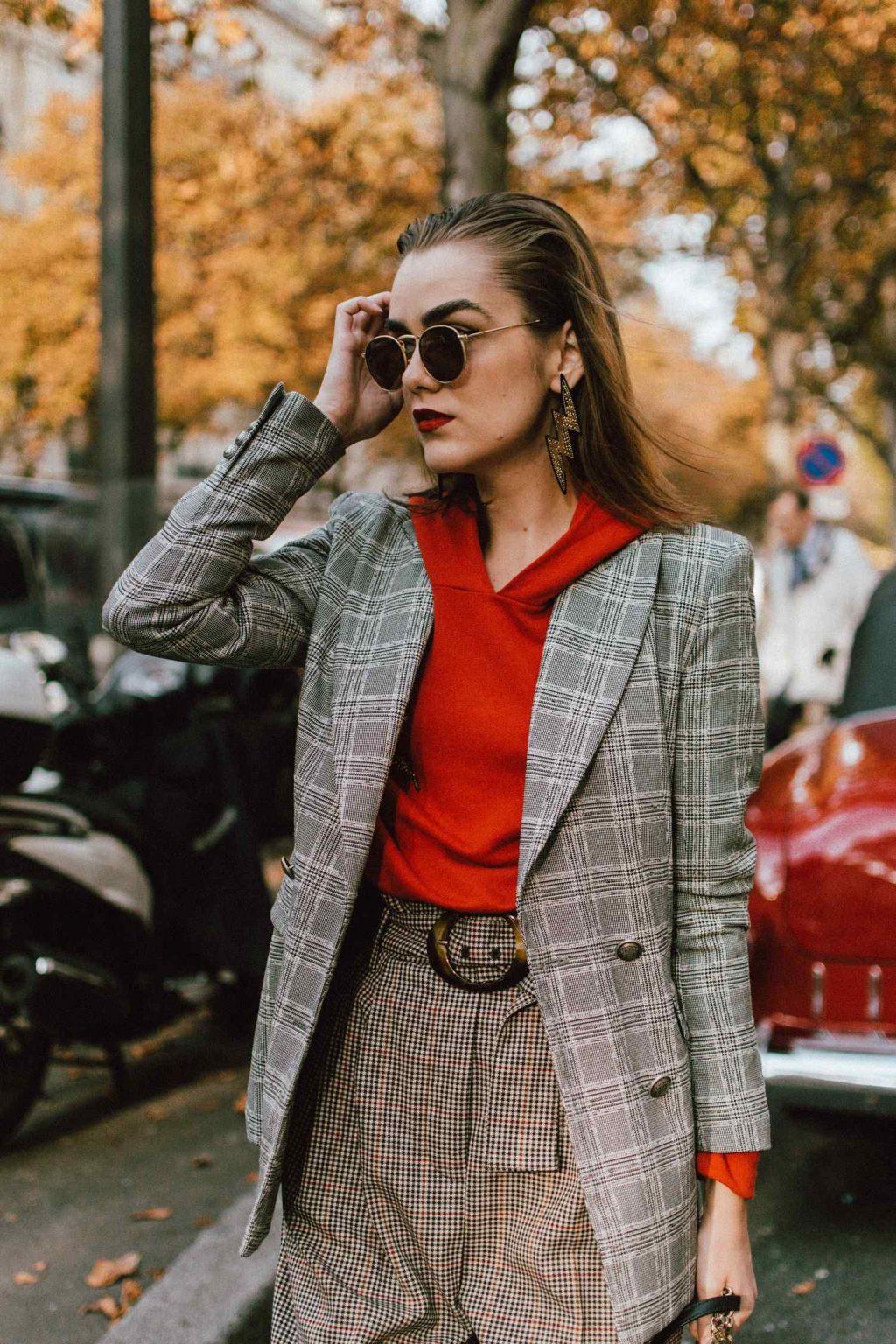 cô gái diện áo khoác blazer món đồ thời trang nhầm lẫn với suit