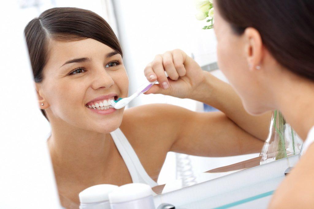 làm sạch răng 9