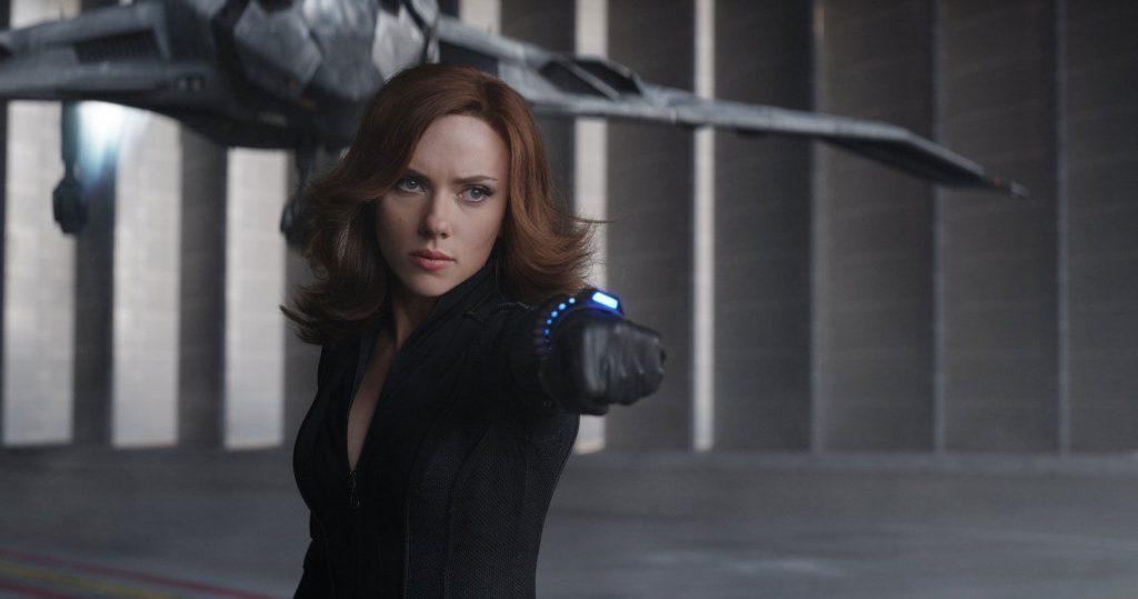 thời trang trong phim black widow Captain America: Civil War