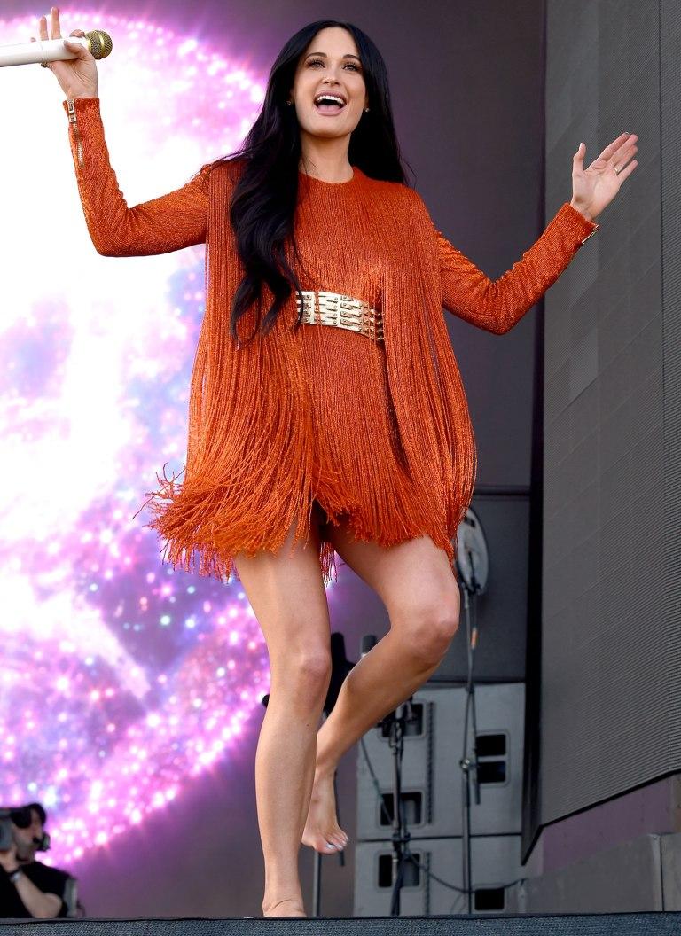 phong cách thời trang coachella 2019 kacey musgraves