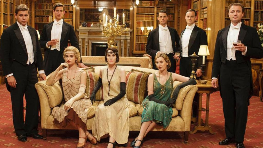 phong cách flapper những năm 1920s xuất hiện trong phim The Dowtown Abbey