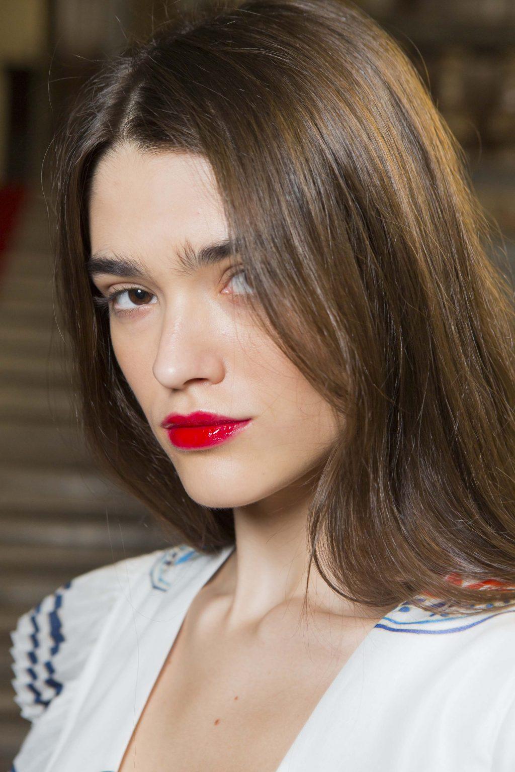 Hàm lượng chất chống ôxy hóa cao của dầu dưỡng Maracuja chống rụng tóc hiệu quả. Ảnh: Imaxtree.