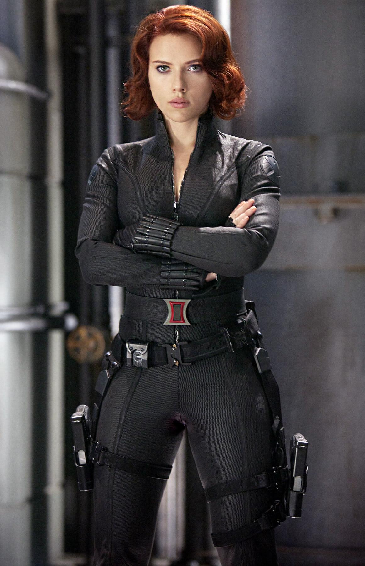 thời trang trong phim Black Widow Avengers 2012