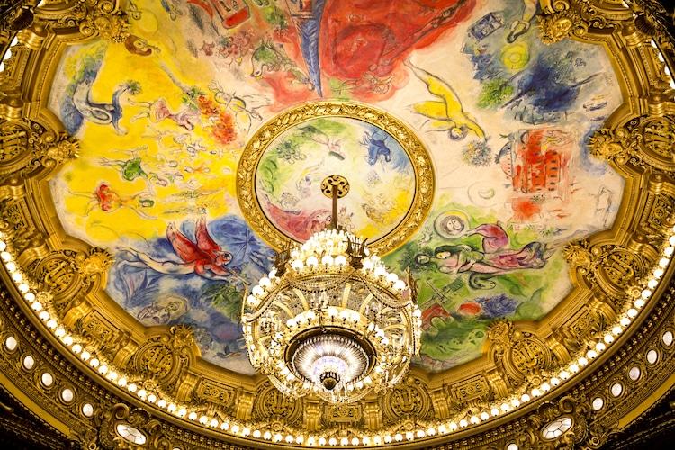 Trần nhà hát Opera quốc gia (Opera National de Paris Garnier) do Marc Chagall thực hiện năm 1964