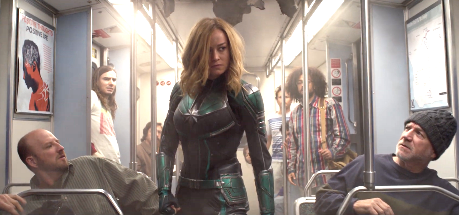 thời trang trong phim captain marvel 13