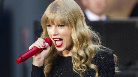 """Phong cách trang điểm tạo nên thương hiệu """"nữ xà vương"""" Taylor Swift"""