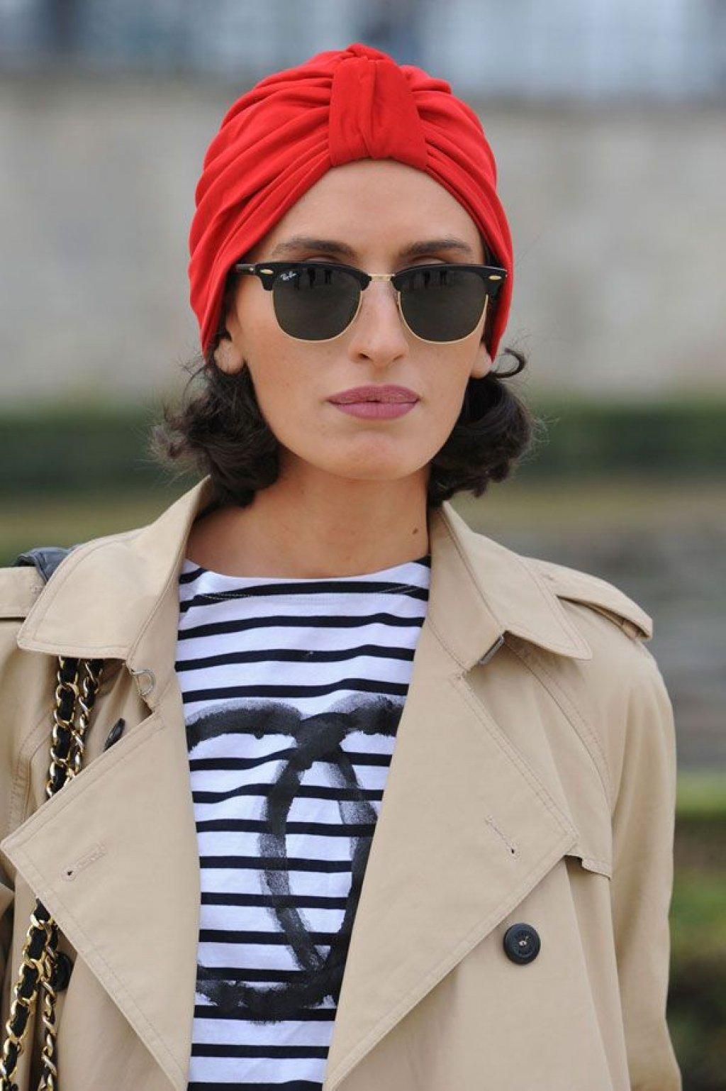 khăn turban màu đỏ