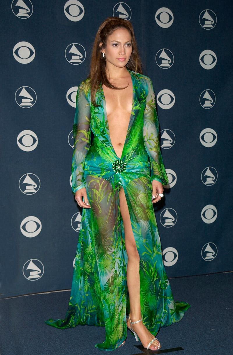 Jennifer Lopez chiếc đầm versace 4