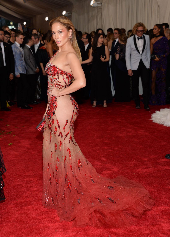 Jennifer Lopez chiếc đầm versace 7