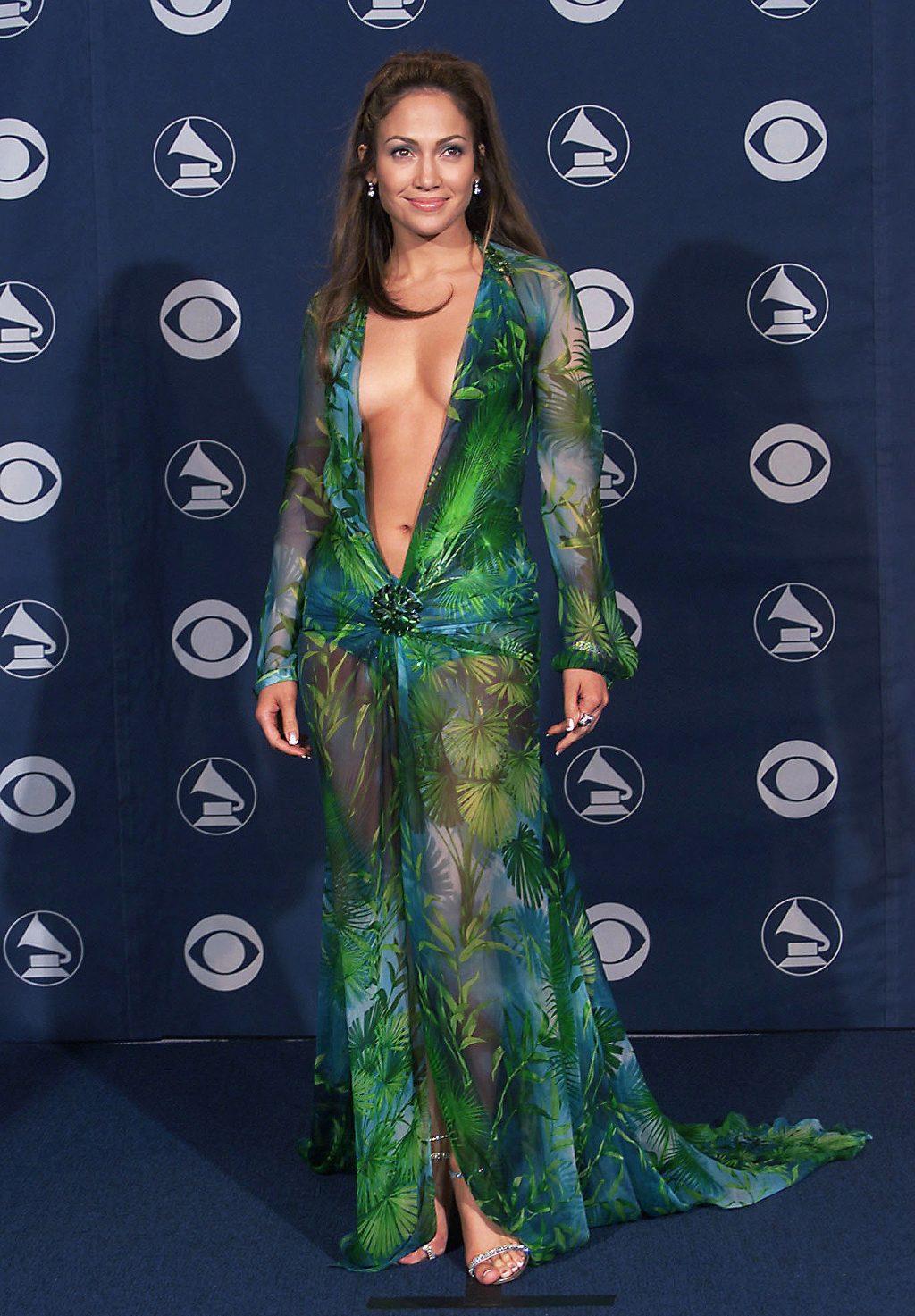 Jennifer Lopez chiếc đầm versace