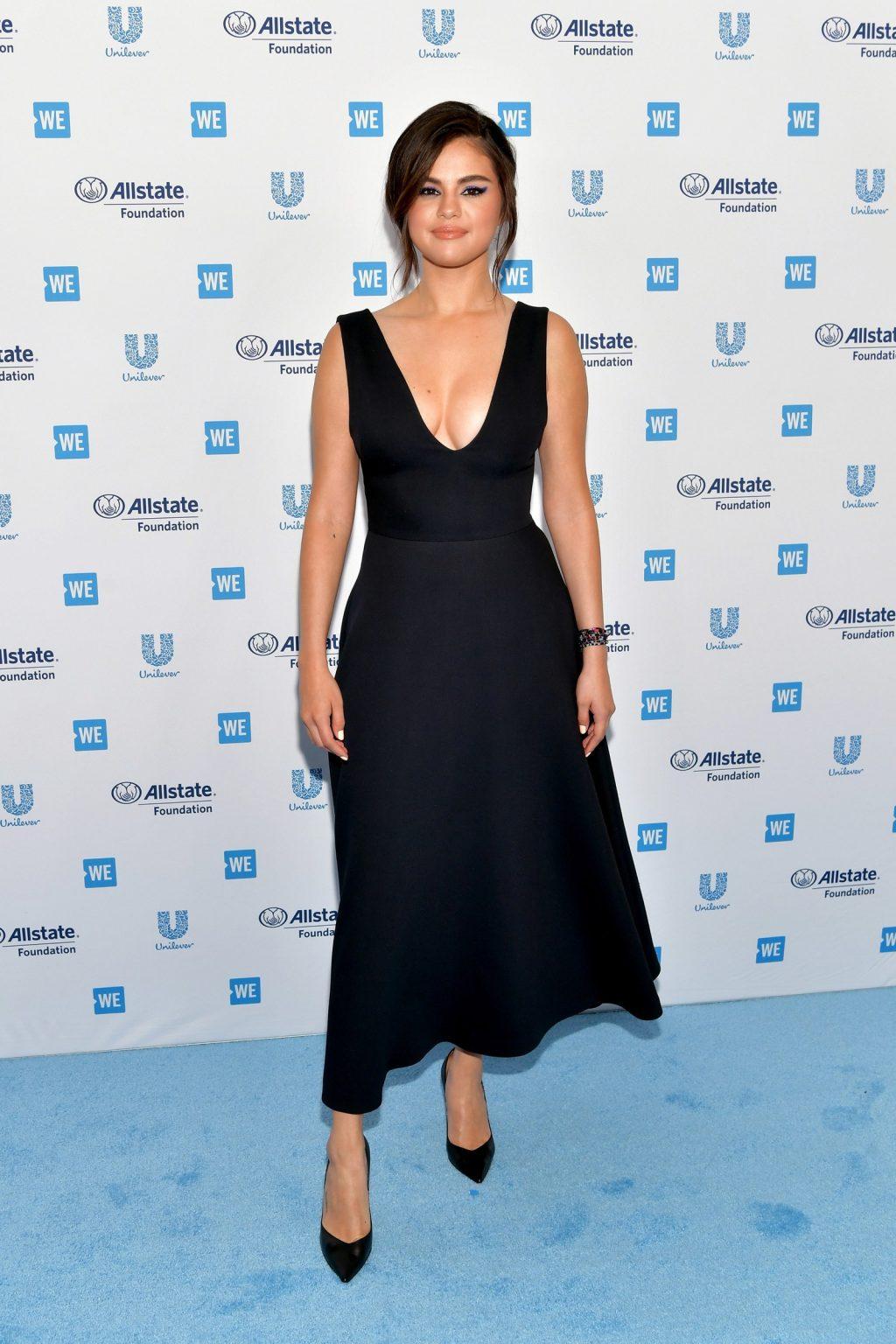 ca sĩ Selena Gomez trở lại thảm đỏ 4