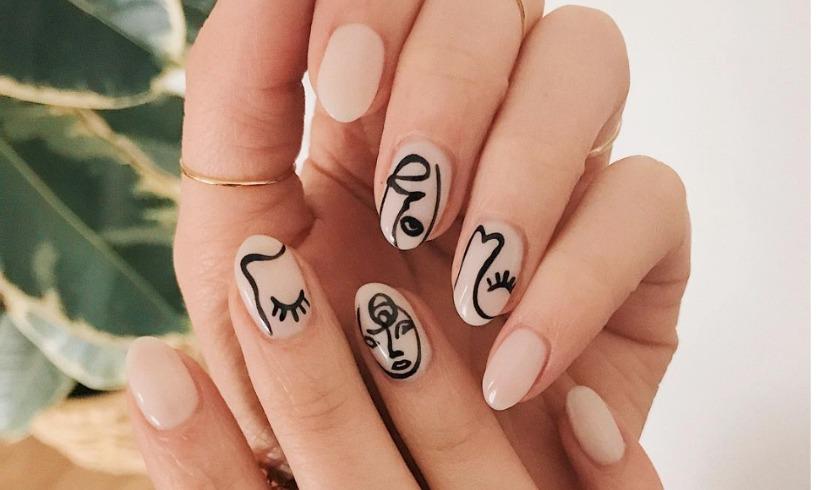 Kiểu vẽ móng tay nghệ thuật với hashtag #picassonails được nhiều bạn trẻ yêu thích.