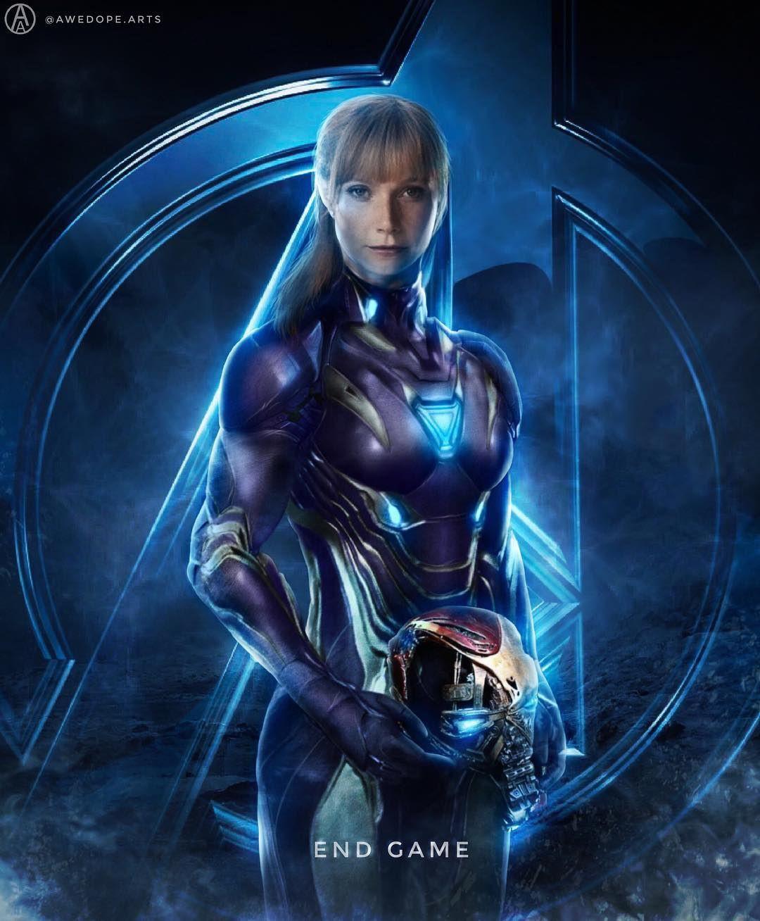 người phụ nữ mặc bộ giáp sắt