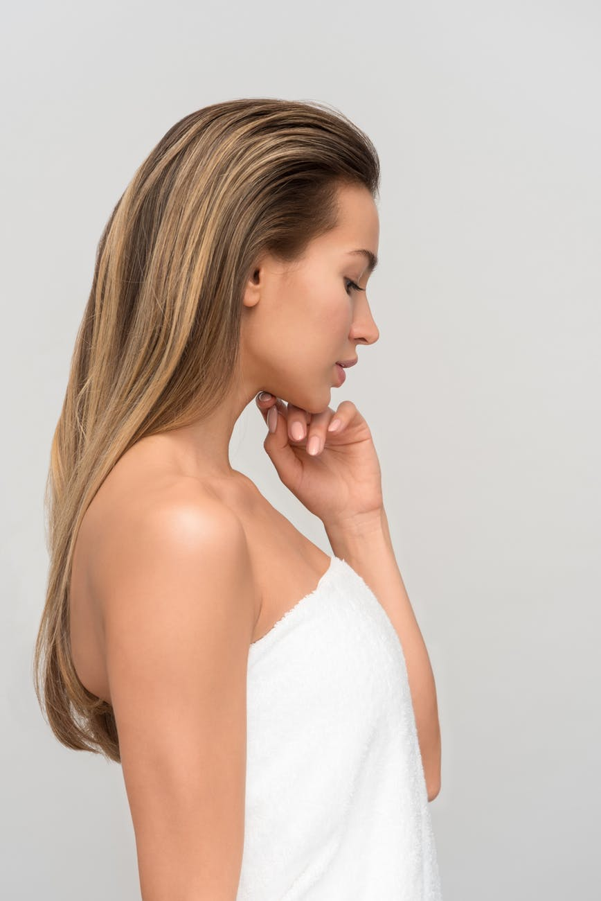 Những người mắc chứng hen suyễn hay dị ứng theo mùa như viêm mũi dị ứng có nguy cơ mắc eczema da đầu cao