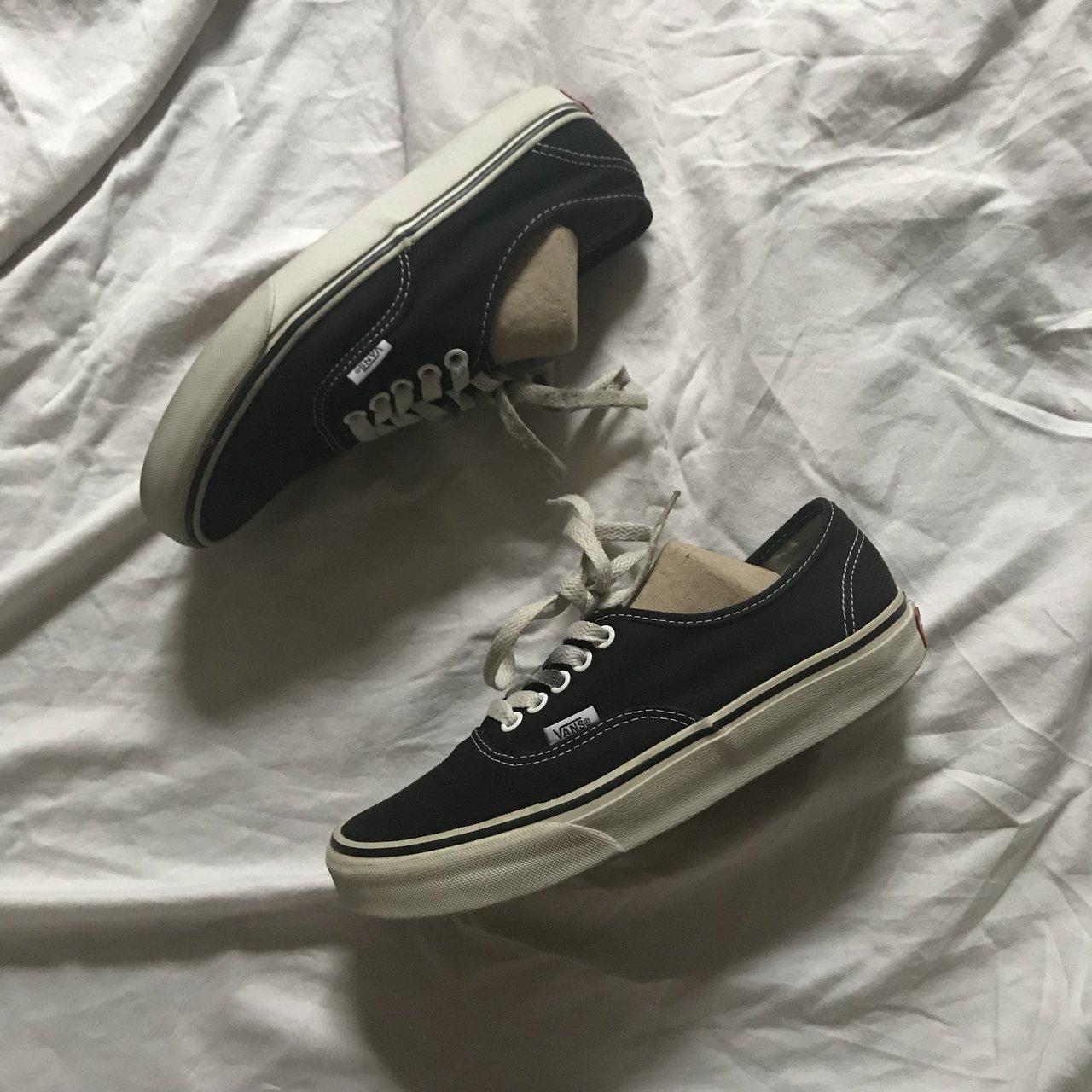 giày vans màu đen