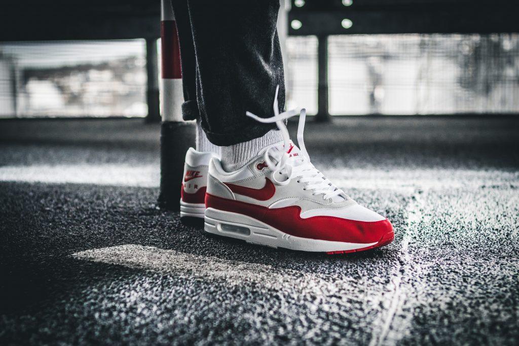 giày sneakers kinh điển Nike Air Max 1 trắng đỏ