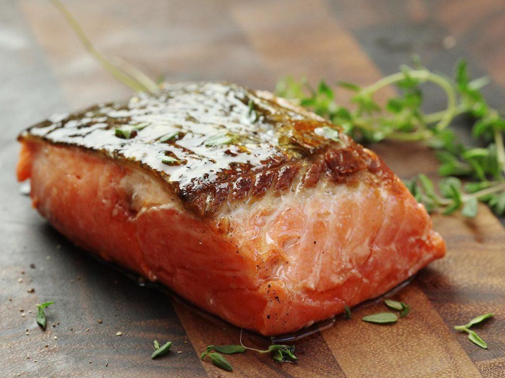chế độ ăn - miếng cá hồi