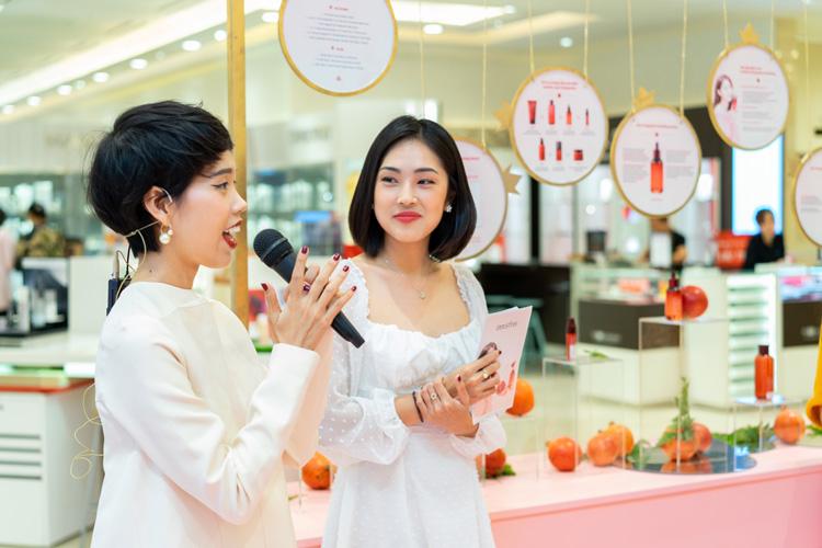 MC Misoa và Biên tập viên Làm đẹp Tạp chí Phái đẹp ELLE – Nicky Khánh Ngọc trong buổi worshop ngày 11/05/2019