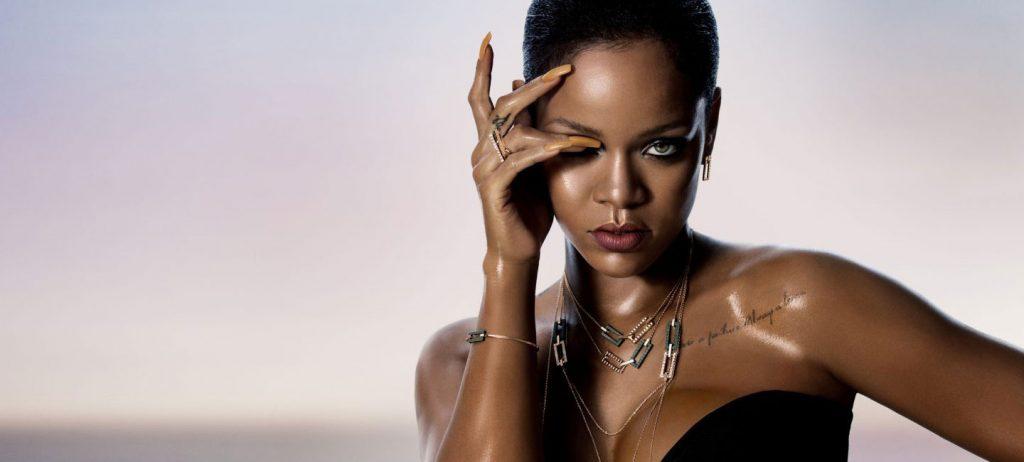 ca sĩ Rihanna đeo trang sức Chopard