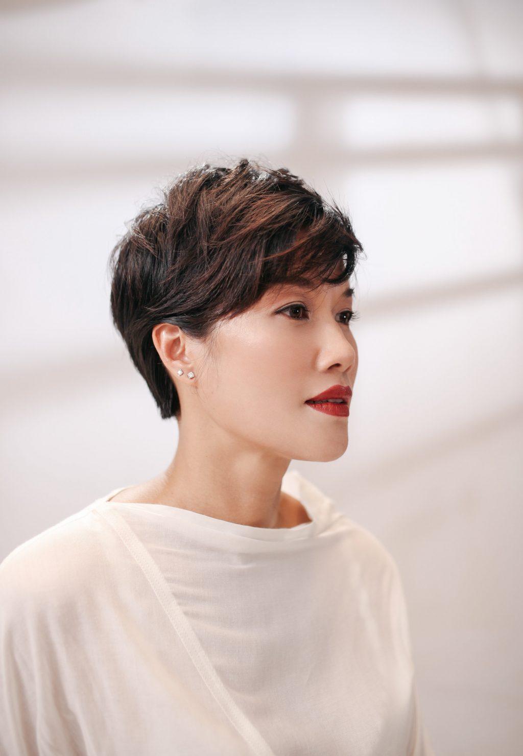 chị Kim Oanh Power of Radiance 03