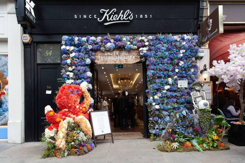 Cửa hàng mỹ phẩm Kiehl's lễ hội hoa Chelsea, London
