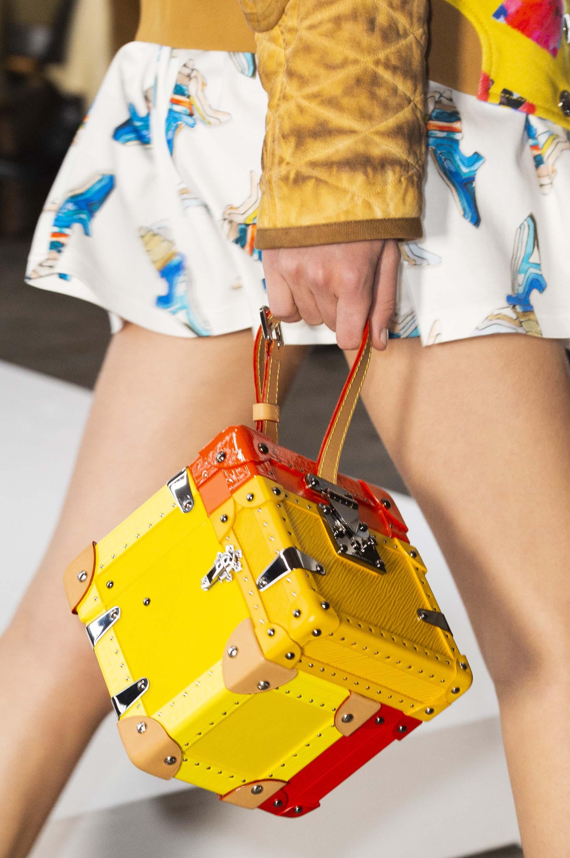 túi Louis Vuitton hình chiếc rương