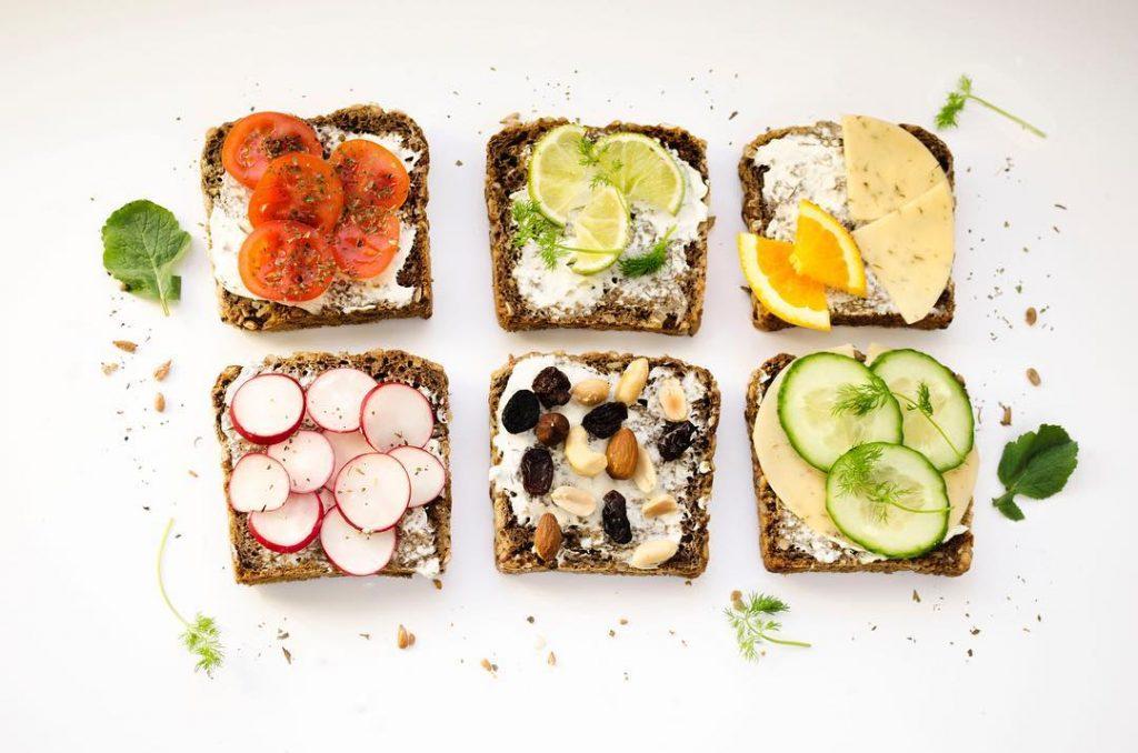 bánh mì trái cây thực phẩm ăn kiêng