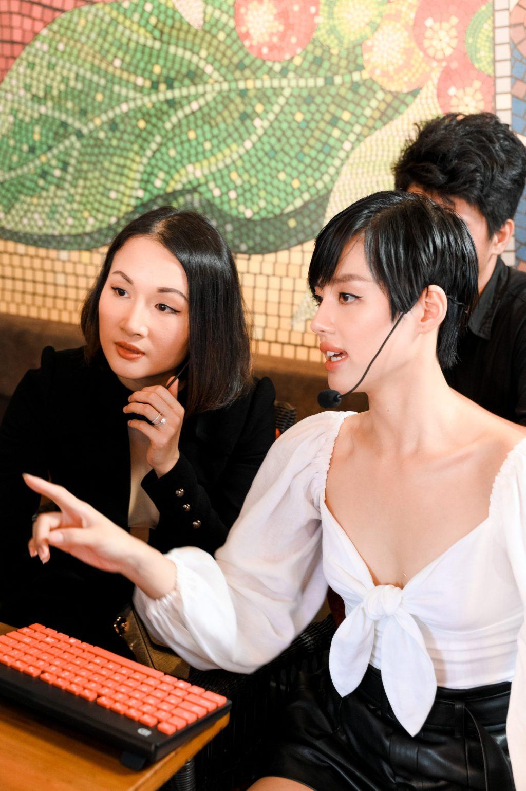 vlogger giang ơi và Khánh Linh the face tại coffee with the ALDO Crew