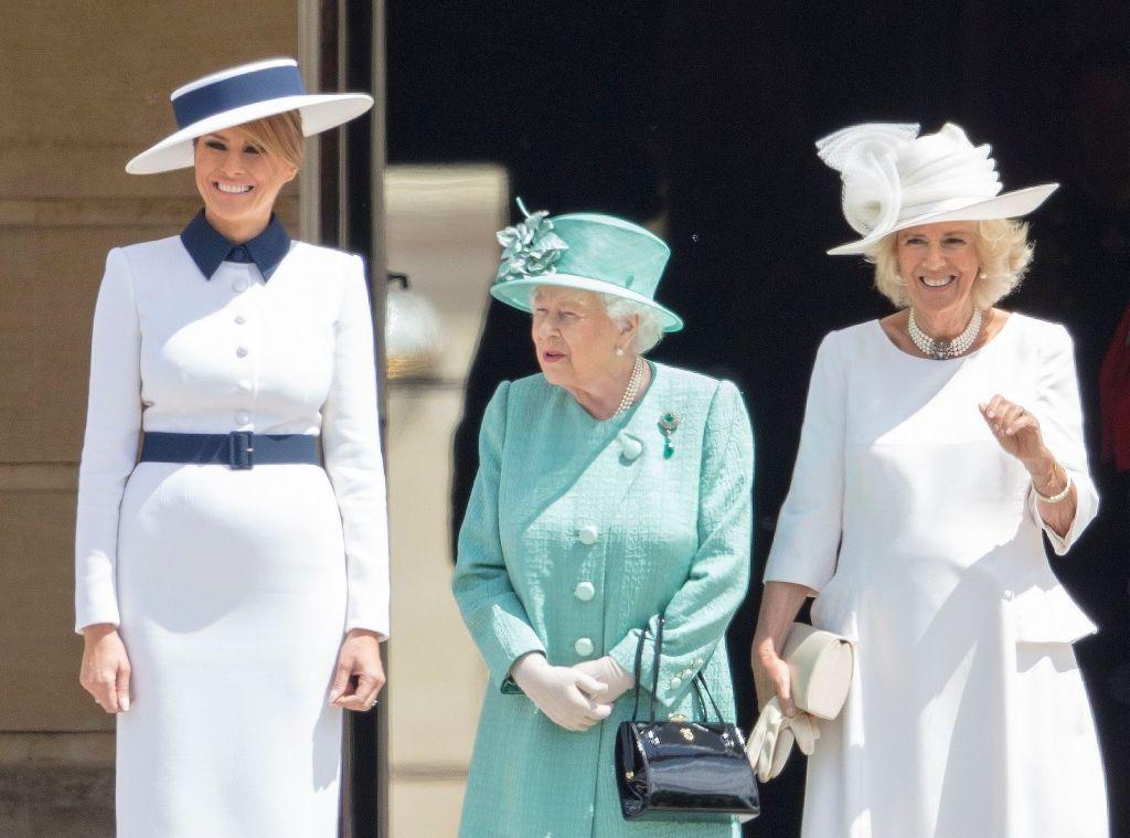 phu nhân Melania Trump diện đầm trắng gặp Nữ hoàng Elizabeth II
