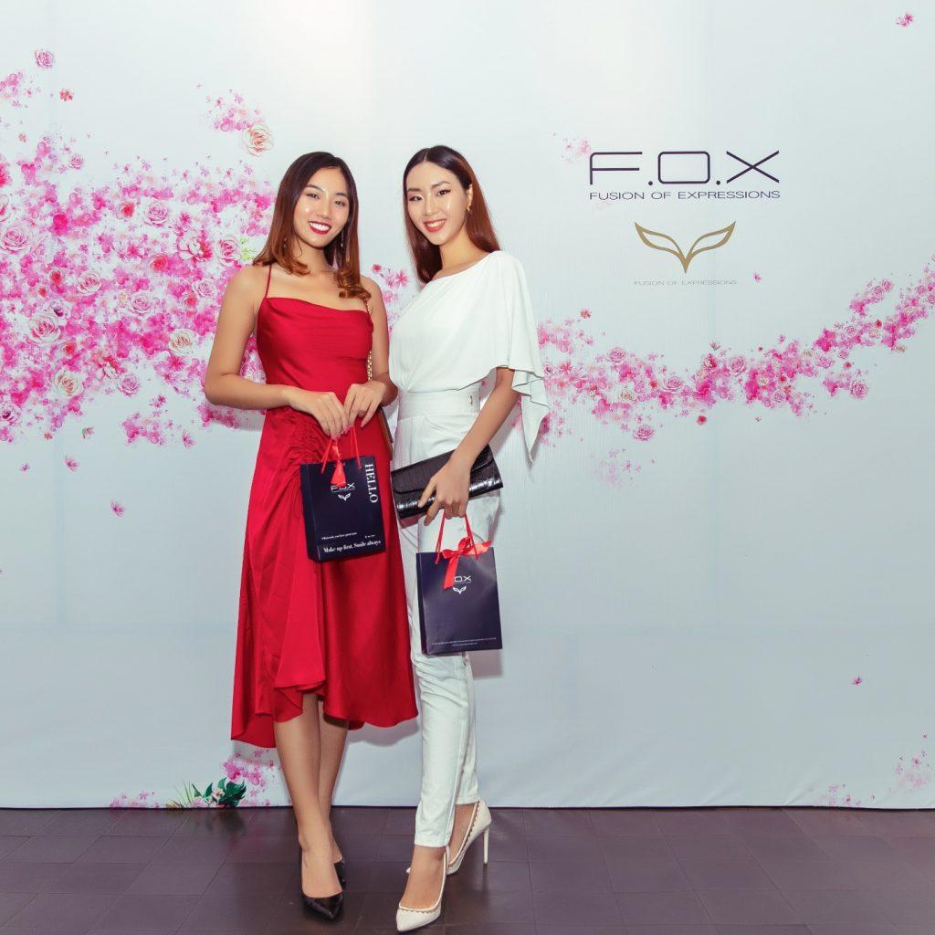 người mẫu Quỳnh Như và Đông Hạ F.O.X Cosmetics