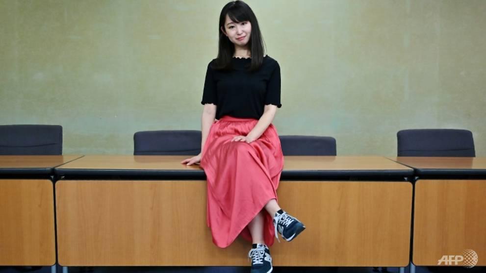 yumi ishikawa người khởi xướng phong trào #KuToo phản đối công ty nhật ép buộc nhân viên nữ mang giày cao gót khi đi làm