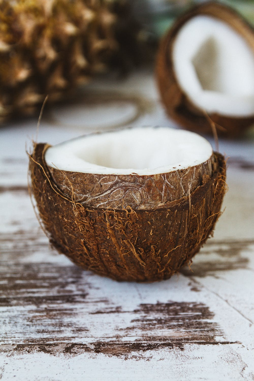 điều trị mụn bằng dầu dừa là đúng hay sai
