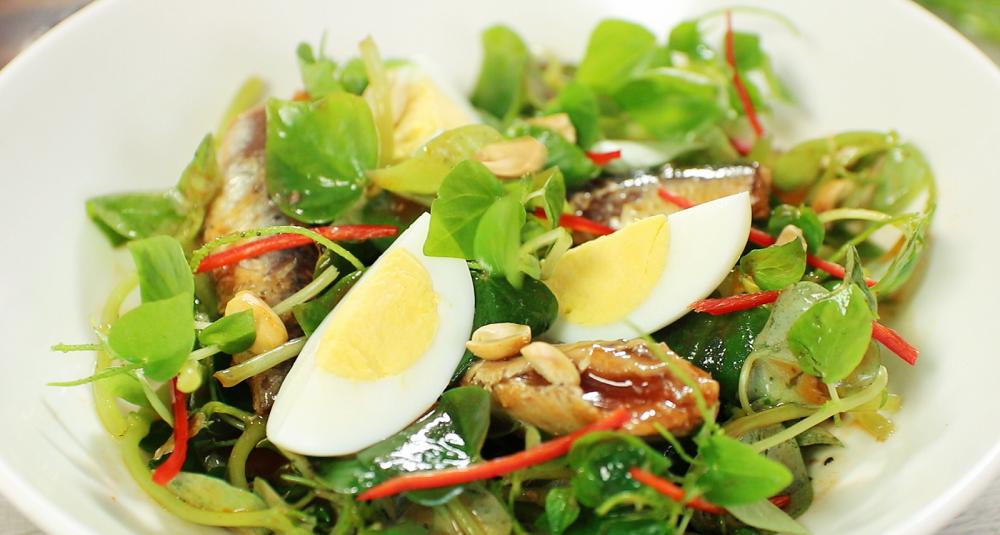 salad giảm cân rau càng cua và trứng