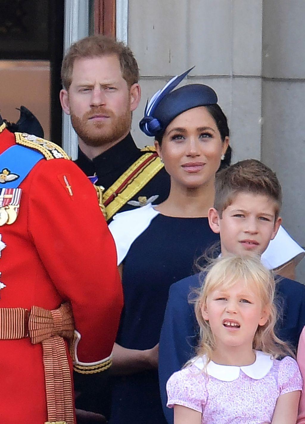 công nương meghan và hoàng tử harry trooping the colour 2019 4