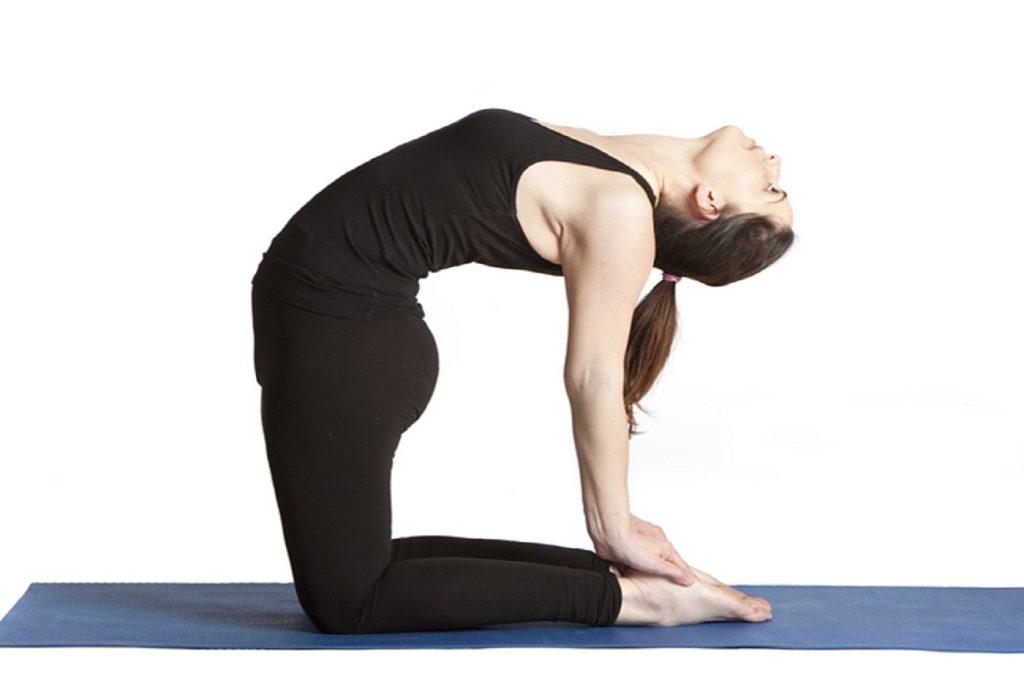 bài tập thể dục uốn lưng ra sau