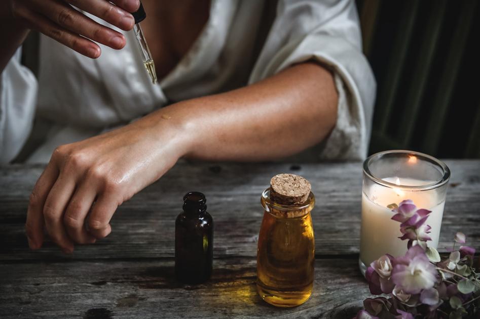 phụ nữ Pháp - tinh dầu hoa lavender