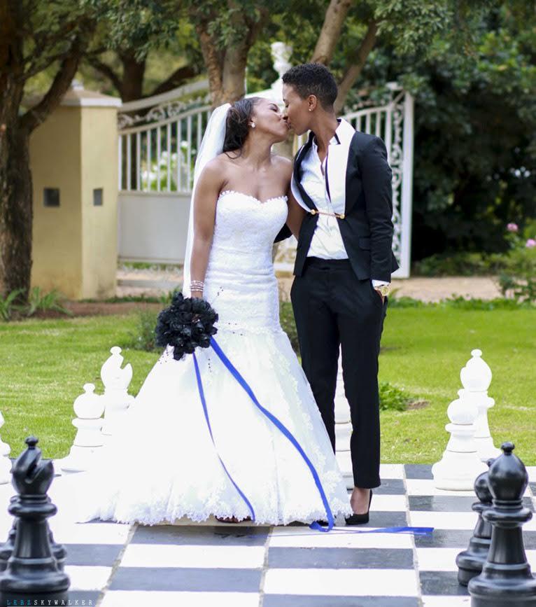 cặp đôi đồng tính nữ đám cưới tại nam phi