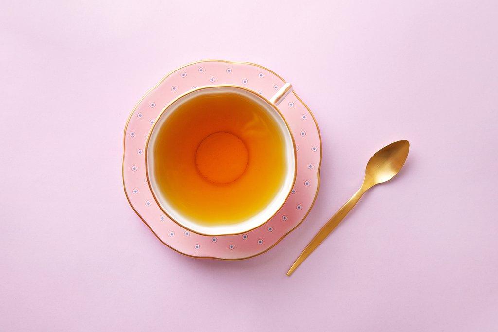 tách trà nhụy hoa nghệ tây