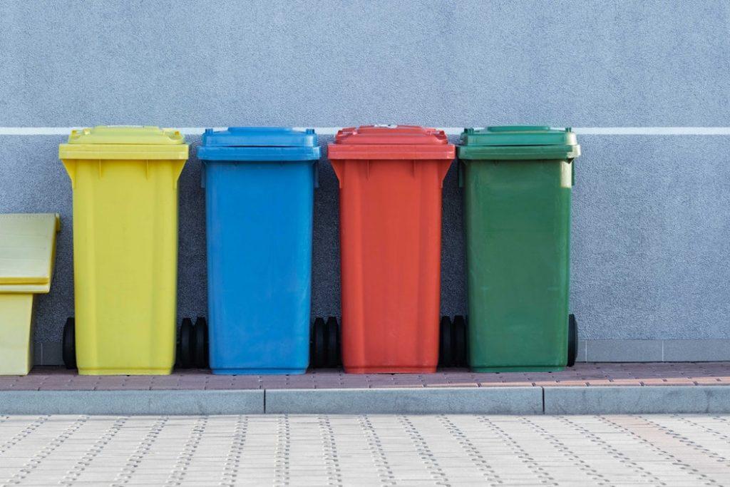 thùng nhiều màu phân loại rác