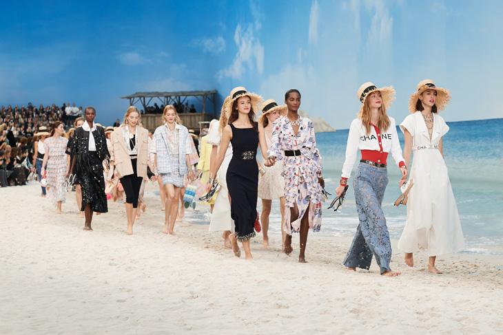 Đầu tháng 5, Chanel cho ra mắt BST Xuân - Hè: Chanel By The Sea.