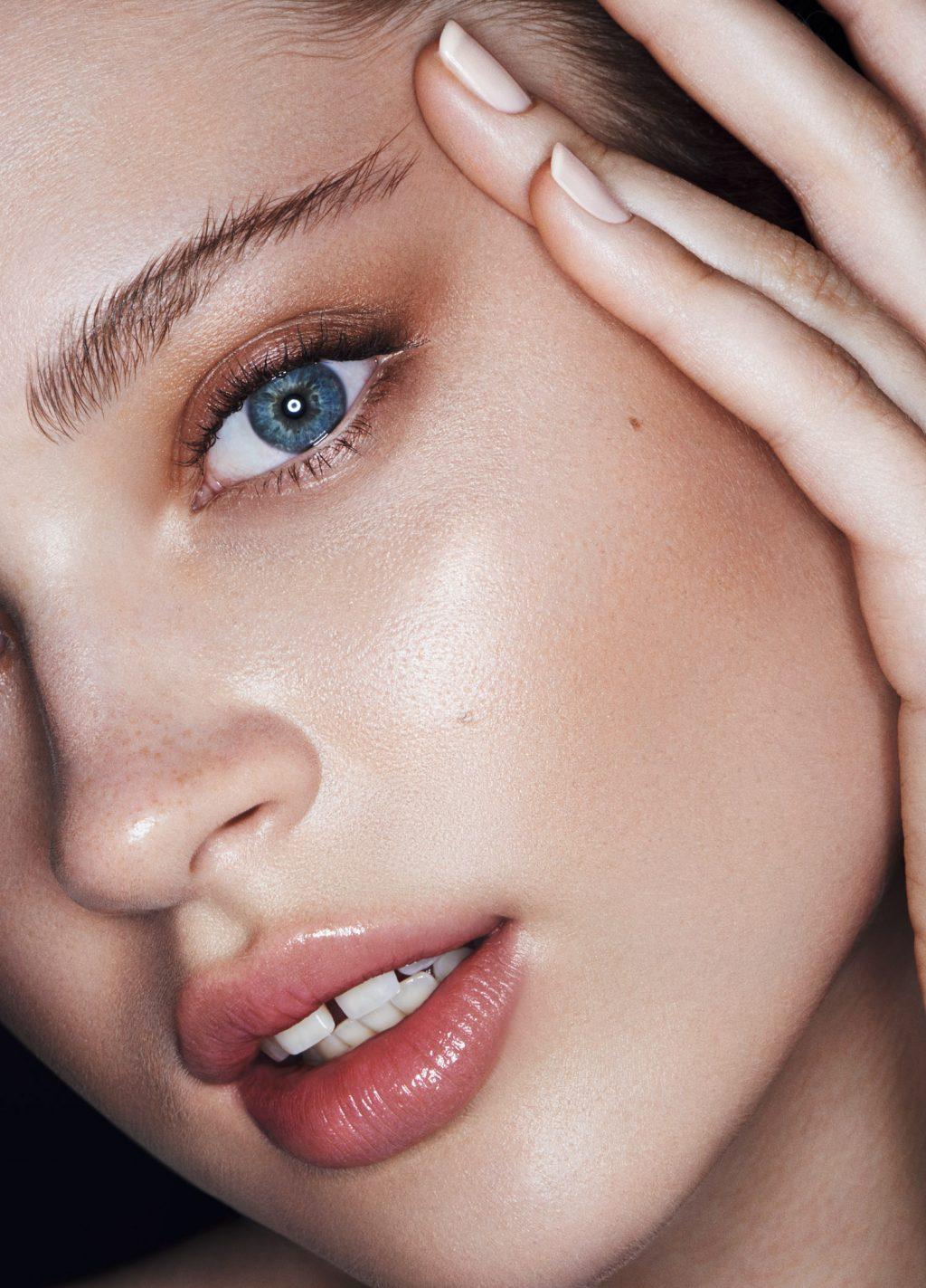 trang điểm theo màu mắt thế nào mới đẹp