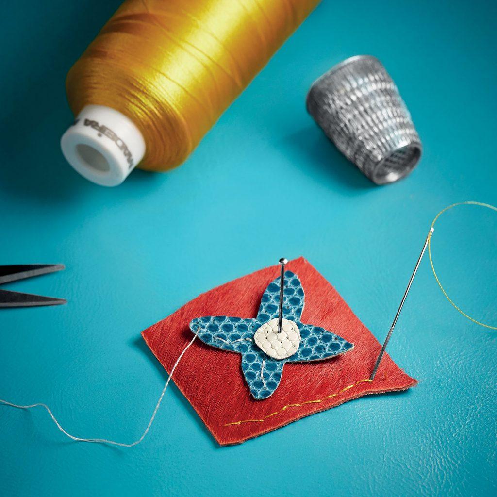 công đoạn làm mới túi Louis Vuitton Capucines